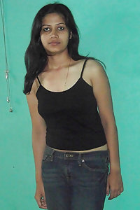 Horny Indian Girl Suhasini Posing Hot