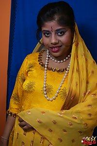 Horny Babe Rupali Yellow Shalwar Suit Photos