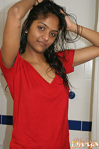 Young Sexy Indian Girl Divya Taking Shower