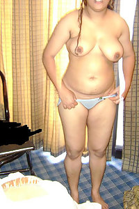 Spicy Pictures Of Naked Amateur Indian Wife Posing