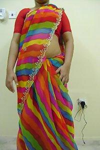 Lusty Indian Housewife Farha Big Boobs Exposed