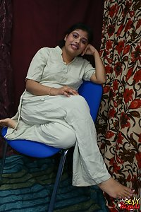 Indian Babe Rupali Sexy Pajama