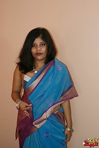 Rupali Indian Sari Stripping Naked