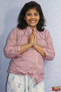 Rupali Desi Babe Nude XXX Photos