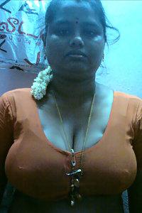 Indian Big Boob Shy Aunty Nude Pics