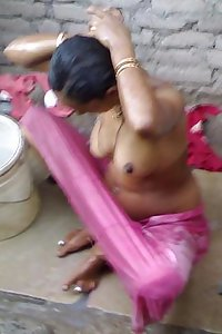 Indian Babe Nude Taking Outdoor Shower