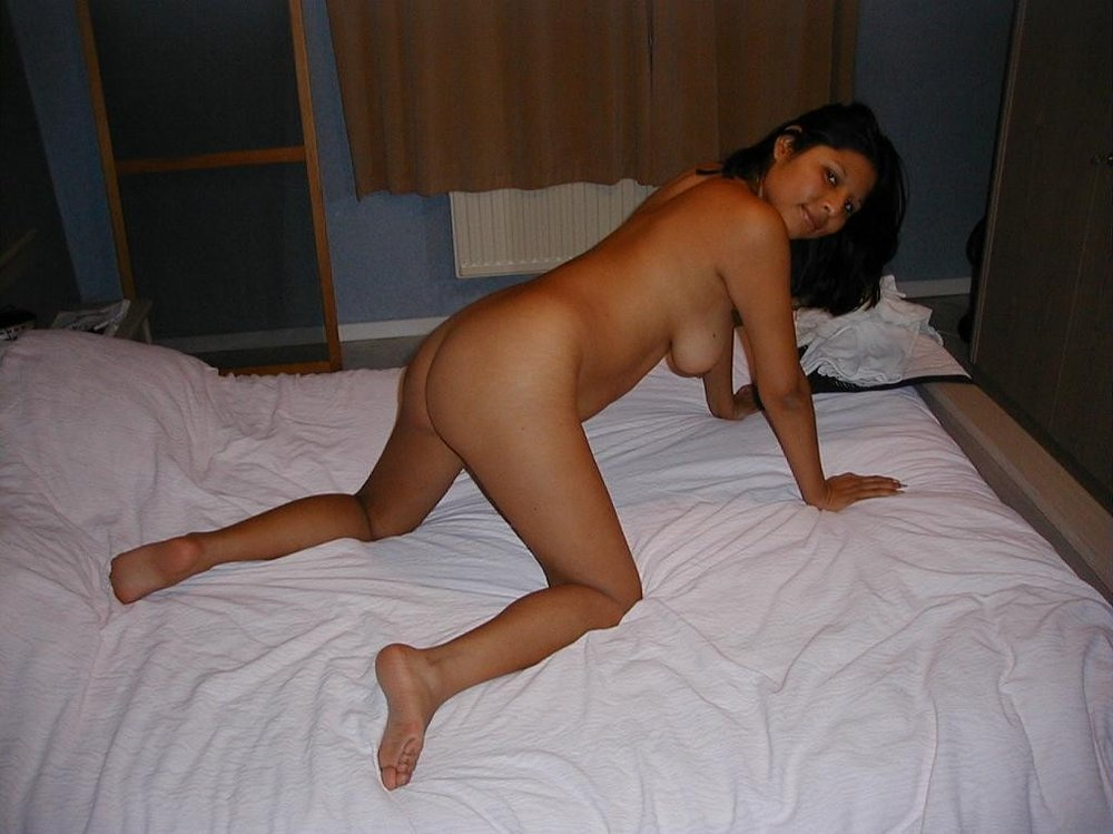 Indian spreading Naked babes