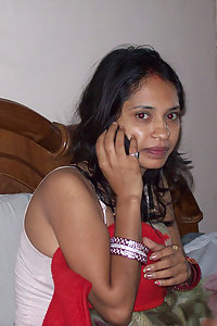 Horny Modern Indian Babe Showing Pussy
