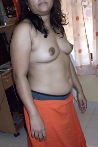 Hot Indian Nude Natasha Showing Pussy