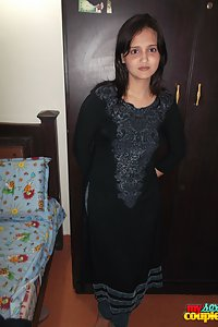 Hot Desi Wife Sonia Bathroom Sex