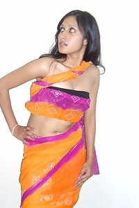 Hot Indian Javeria Aunty Naked Pose