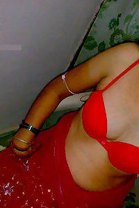 Indian Aunty Ghazala Sexy Fucking Slut