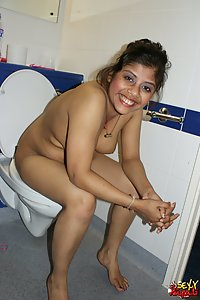 Rupali Hot Indian Babe Shower