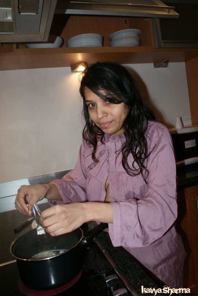 Amateur indian babe rupali naked in shower exposing bigtits 5