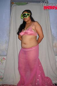 Velamma Bhabhi Hot Sexy Milky Big Tits