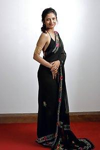 Meeta Punjabi Hot Indian Girl From London
