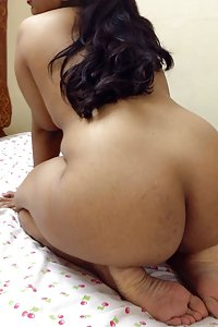Big Ass Desi Bhabhi Naked In Bedroom For Sex