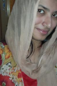 Sexy Indian Muslim Girl Taking Nude Selfies