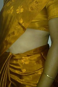 Sexy Indian Housewife Afshan Naked Photographs Leaked