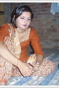 Desi college slut divya having nude bath for followers 5