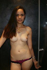 Juicy Indian Babe Jasmine Nude Photos