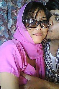 Indian Bhabhi Nehal Honeymoon Sex Pics