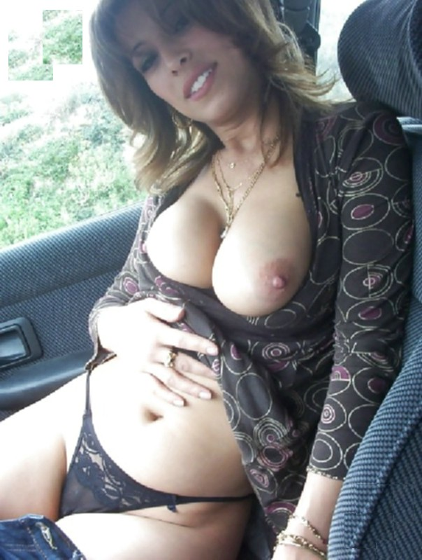 Showing tits in the car